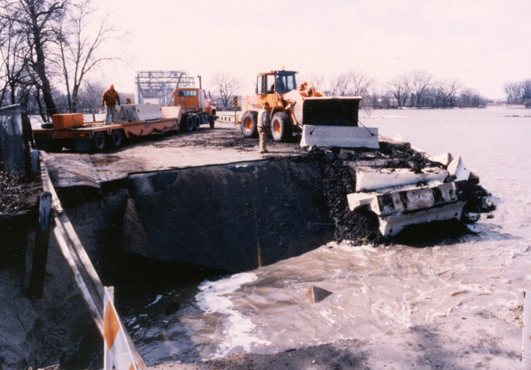 Highway 64 bridge washout on the Platte River west of Valley, Nebraska, 1993
